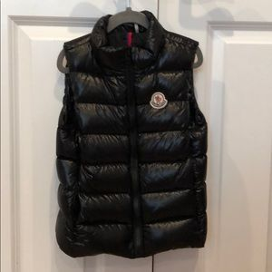 💯AUTHENTIC MONCLER VEST